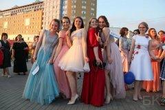 Young Russian girls, high school gradiaters 183.JPG