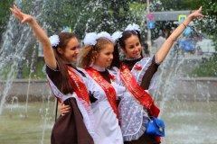 Young Russian girls, high school gradiaters 171.JPG