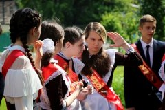 Young Russian girls, high school gradiaters 197.JPG
