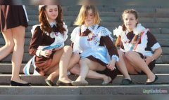 Young Russian girls, high school gradiaters 202.JPG