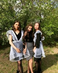 Young Russian girls, high school gradiaters 186.JPG