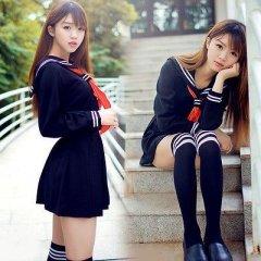 Young Russian girls, high school gradiaters 178.JPG