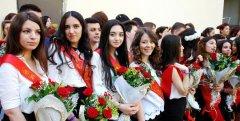 Young Russian girls, high school gradiaters 176.JPG