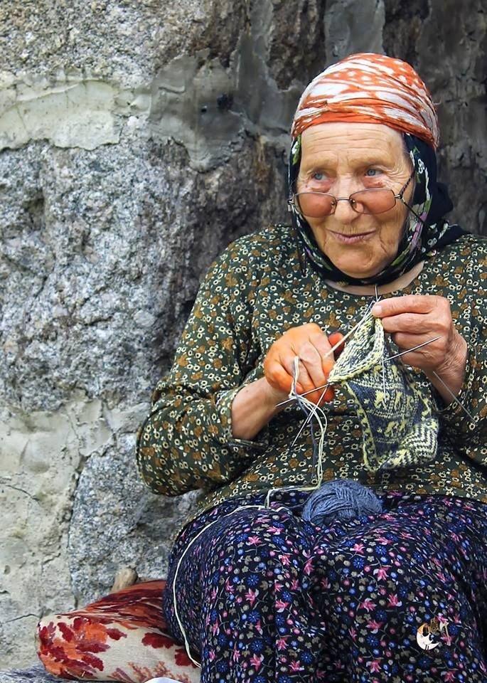 large.18175839_Russian-babushka-old-Russ