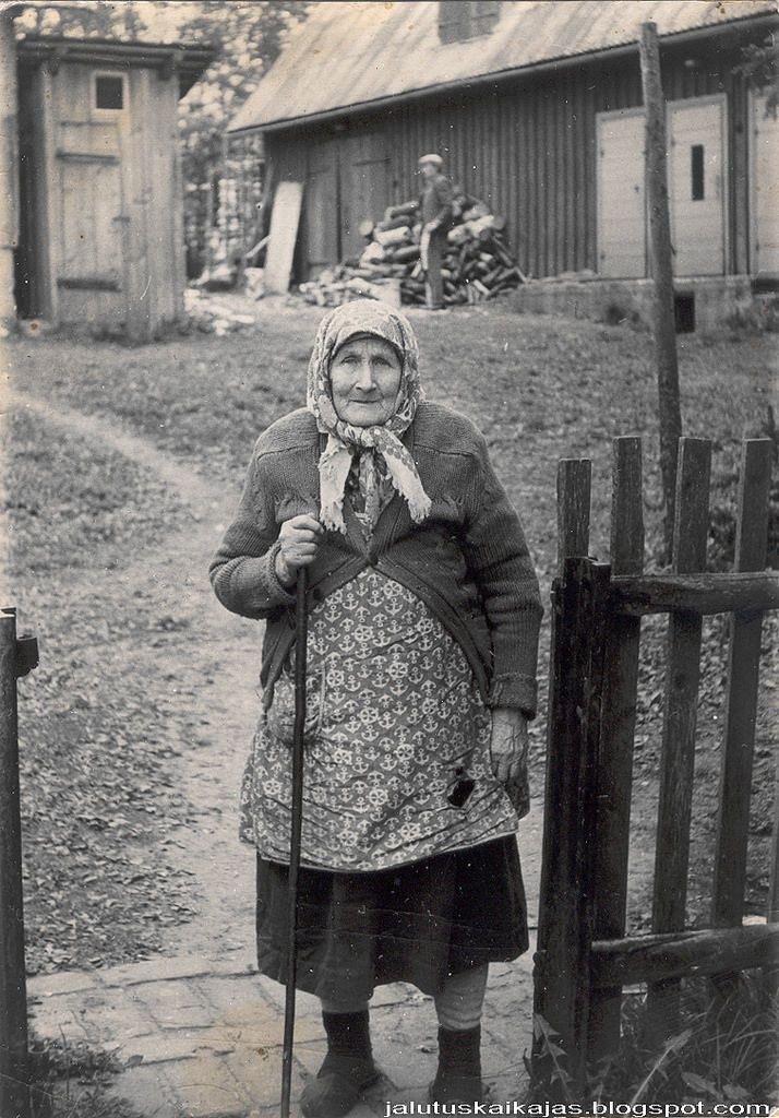 large.402165722_Russian-babushka-old-Rus