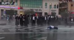 так в Америке разгоняют похороны еврейского Барона.png