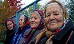 Russian-babushka-old-Russian-women-Russian-mama 17.JPG