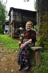 Russian-babushka-old-Russian-women-Russian-mama 13.JPG
