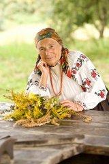 Russian-babushka-old-Russian-women-Russian-mama 54.JPG