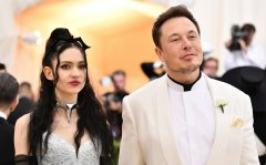 Elon Reeve Musk-immigration-job-rospersonal-Mikhaylov-Evgeny-Matveevich-Immigration-Agent.jpg