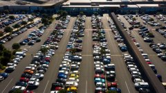 packed carpark at Westfield Albany Mega on Saturday-immigration-job-rospersonal-Mikhaylov-Evgeny-Matveevich-Immigration-Agent-Moscow.jpg