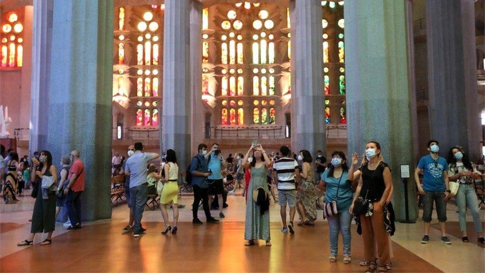 Sagrada Familia basilica in Barcelona-immigration-visa-news-rospersonal-Mikhaylov-Evgeny-Matveevich-Immigration-Agent-Moscow.jpg
