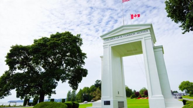 The Peace Arch was erected in 1921, to commemorate the Treaty of Ghent, which ended the War of 1812-visa-news-rospersonal-Mikhaylov-Evgeny-Matveevich-Immigration-Agent-Moscow.jpg