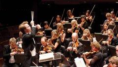 Pietari Inkinen conducts the New Zealand Symphony Orchestra-visa-news-rospersonal-Mikhaylov-Evgeny-Matveevich-Immigration-Agent-Moscow.jpg