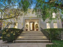 In elite Melbourne suburb Toorak, Vic 3142 (pictured, a home up for auction), buyers need to earn $467,000 a year to buy a house-visa-news-rospersonal-Mikhaylov-Evgeny-Matveevich-Immigration-Agent-Moscow.jpeg