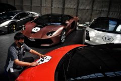 Supercars and champagne-visa-news-rospersonal-Mikhaylov-Evgeny-Matveevich-Immigration-Agent-Moscow.jpg