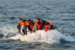 stop migrants from crossing the English Channel.jpg