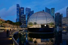 Apple reveals the interior of its first waterfront store in Singapore-visa-news-rospersonal-Mikhaylov-Evgeny-Matveevich-Immigration-Agent-Moscow.jpg