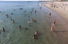 Beach safety paramount-visa-news-rospersonal-Mikhaylov-Evgeny-Matveevich-Immigration-Agent-Moscow.jpeg