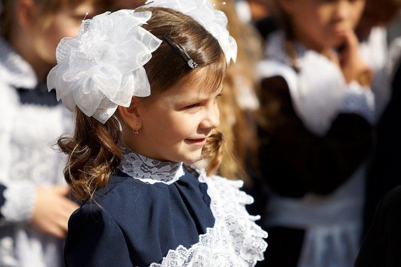 Школьницы-выпускницы-девочки-чулочки-бантики-трусики 19.jpg