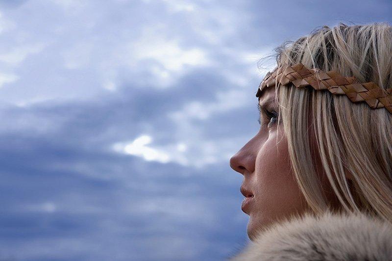 large.881768411_blonde-norweigan-women..