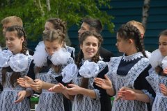 Школьницы-выпускницы-девочки-чулочки-бантики-трусики 6.jpg