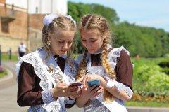 Школьницы-выпускницы-девочки-чулочки-бантики-трусики 9.jpg