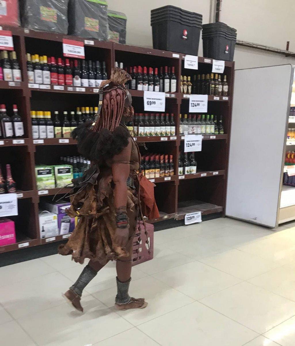 large.1397986754_Himbawomaninsupermarket