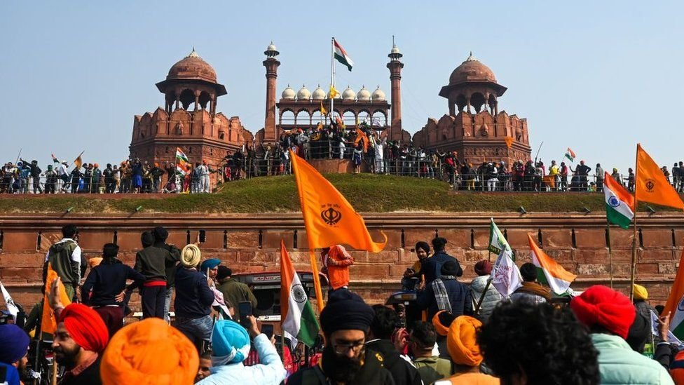 Protesting farmers breached Delhi's iconic Red Fort-visa-news-rospersonal-Mikhaylov-Evgeny-Matveevich-Immigration-Agent-Moscow.jpg