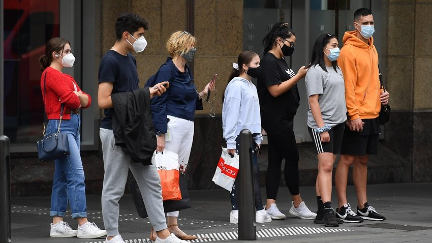 general shot of people in Sydney's CBD in December 2020-visa-news-rospersonal-Mikhaylov-Evgeny-Matveevich-Immigration-Agent-Moscow .jpeg