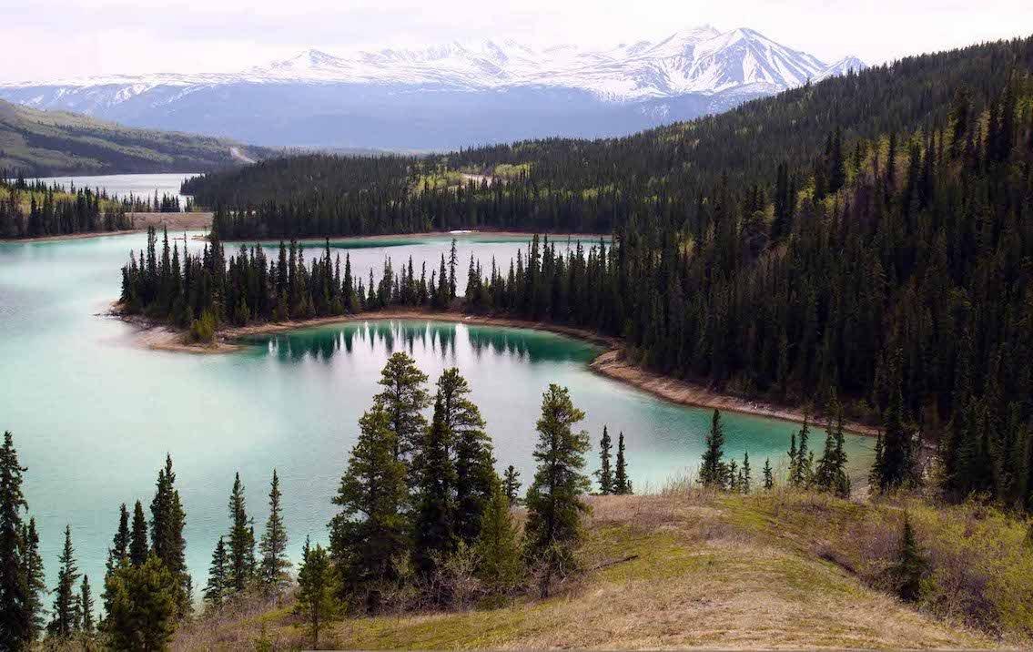 Economy-Emerald-Lake_Yukon-visa-news-rospersonal-Mikhaylov-Evgeny-Matveevich-Immigration-Agent-Moscow.jpg
