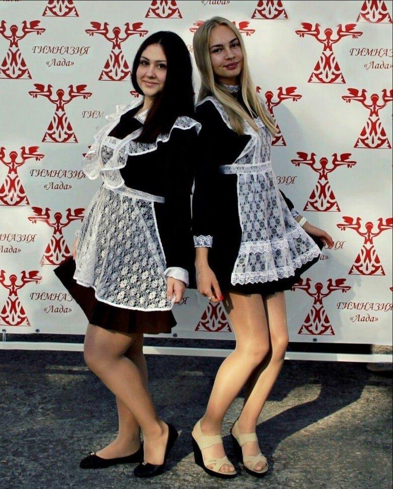 Школьницы-выпускницы-девочки-чулочки-бантики 142.jpg