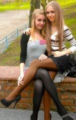 Школьницы-выпускницы-девочки-чулочки-бантики 23.jpg