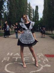 Школьницы-выпускницы-девочки-чулочки-бантики 43.jpg