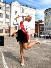 Школьницы-выпускницы-девочки-чулочки-бантики 31.jpg