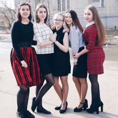 Школьницы-выпускницы-девочки-чулочки-бантики  .jpg