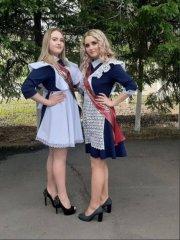 Школьницы-выпускницы-девочки-чулочки-бантики 20.jpg