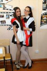 Школьницы-выпускницы-девочки-чулочки-бантики 100.jpg