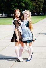 Школьницы-выпускницы-девочки-чулочки-бантики 120.jpg