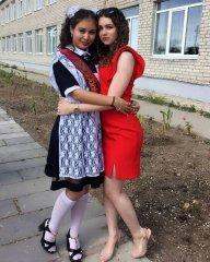 Школьницы-выпускницы-девочки-чулочки-бантики 13.jpg