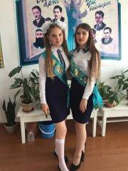 Школьницы-выпускницы-девочки-чулочки-бантики 67.jpg