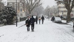 walking-through-islington-in-the-snow-visa-news-rospersonal-Mikhaylov-Evgeny-Matveevich-Immigration-Agent-Moscow.jpg