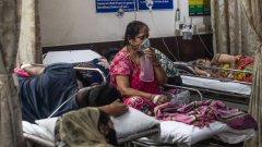 India is experiencing a shortage of beds, medicine and even oxygen.jpg