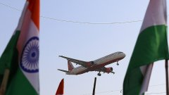 flight with Indian flag-visa-news-rospersonal-Mikhaylov-Evgeny-Matveevich-Immigration-Agent-Moscow.jpeg