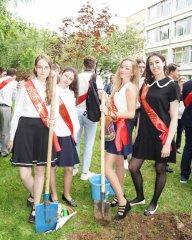 Школьницы-выпускницы-девочки-чулочки-бантики 70.jpg