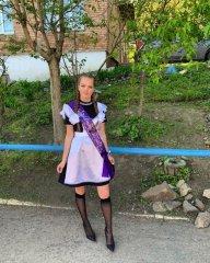 Школьницы-выпускницы-девочки-чулочки-бантики 34.jpg